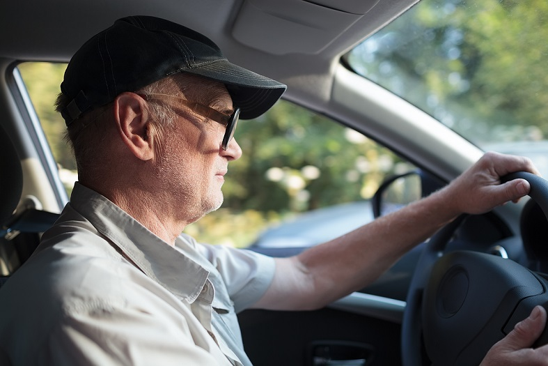 Elderly man driving – when is too old to drive?